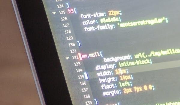 """Source Code là nền tẳng cho những """"cú click"""" trên website"""
